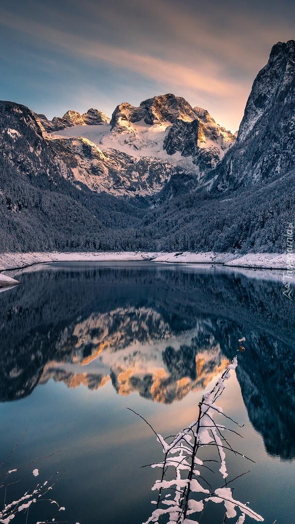 Jezioro Gosauseen i góry Dachstein w Austrii