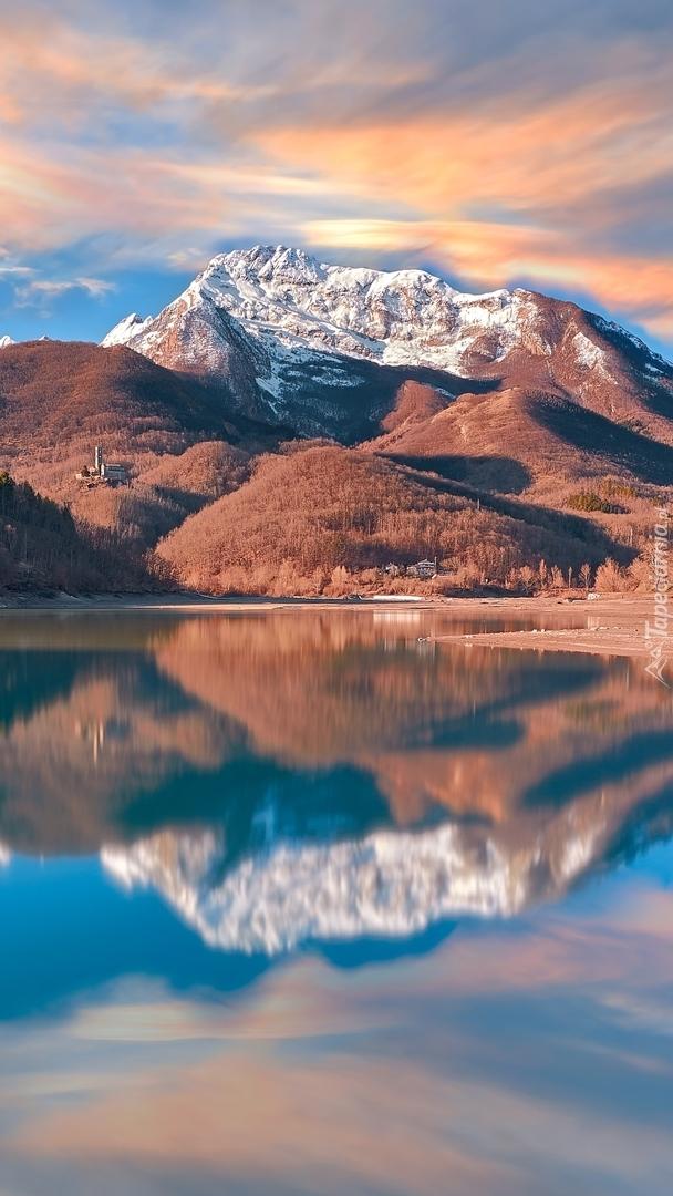 Jezioro Lago di Gramolazzo we Włoszech