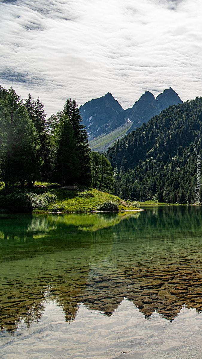 Jezioro Lai da Palpuogna i Alpy Retyckie