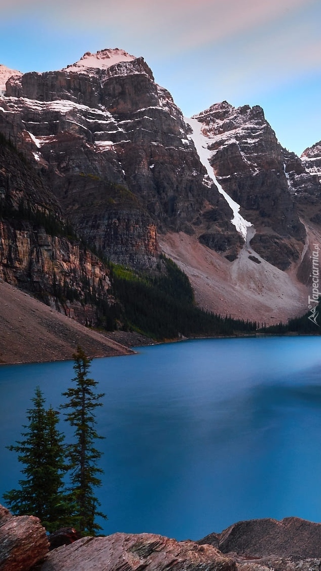Jezioro Moraine Lake w górach