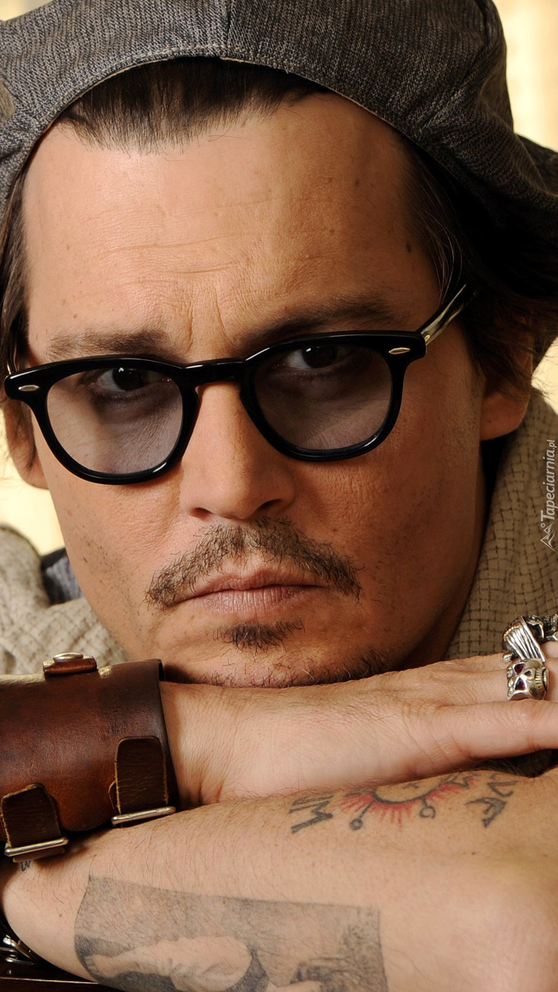 Johnny Depp w okularach