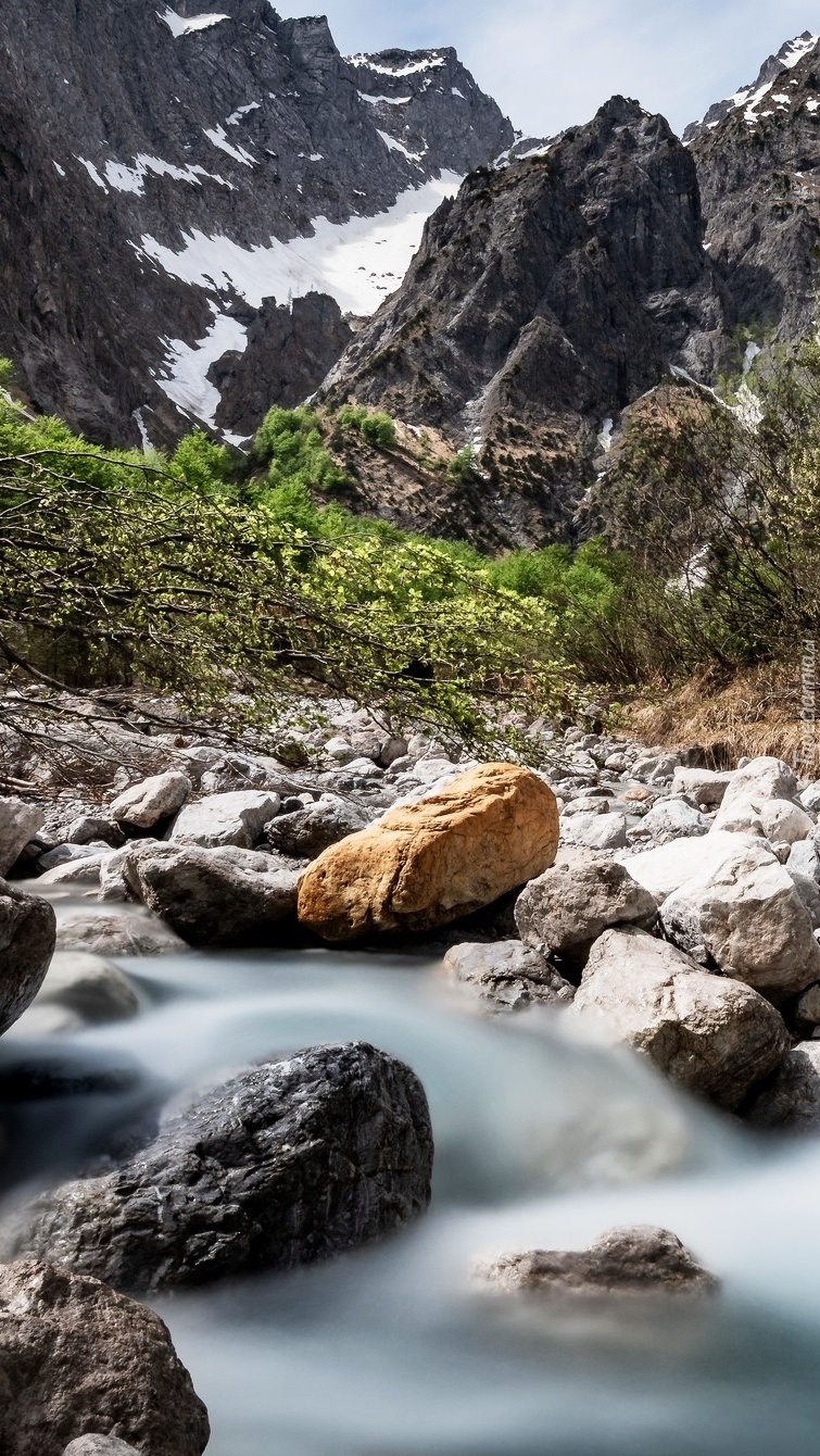 Kamienie w rzece Eisbach