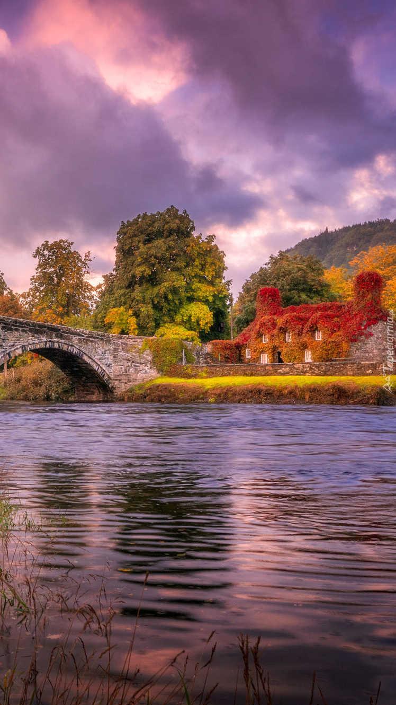 Kamienny most nad rzeką Conwy