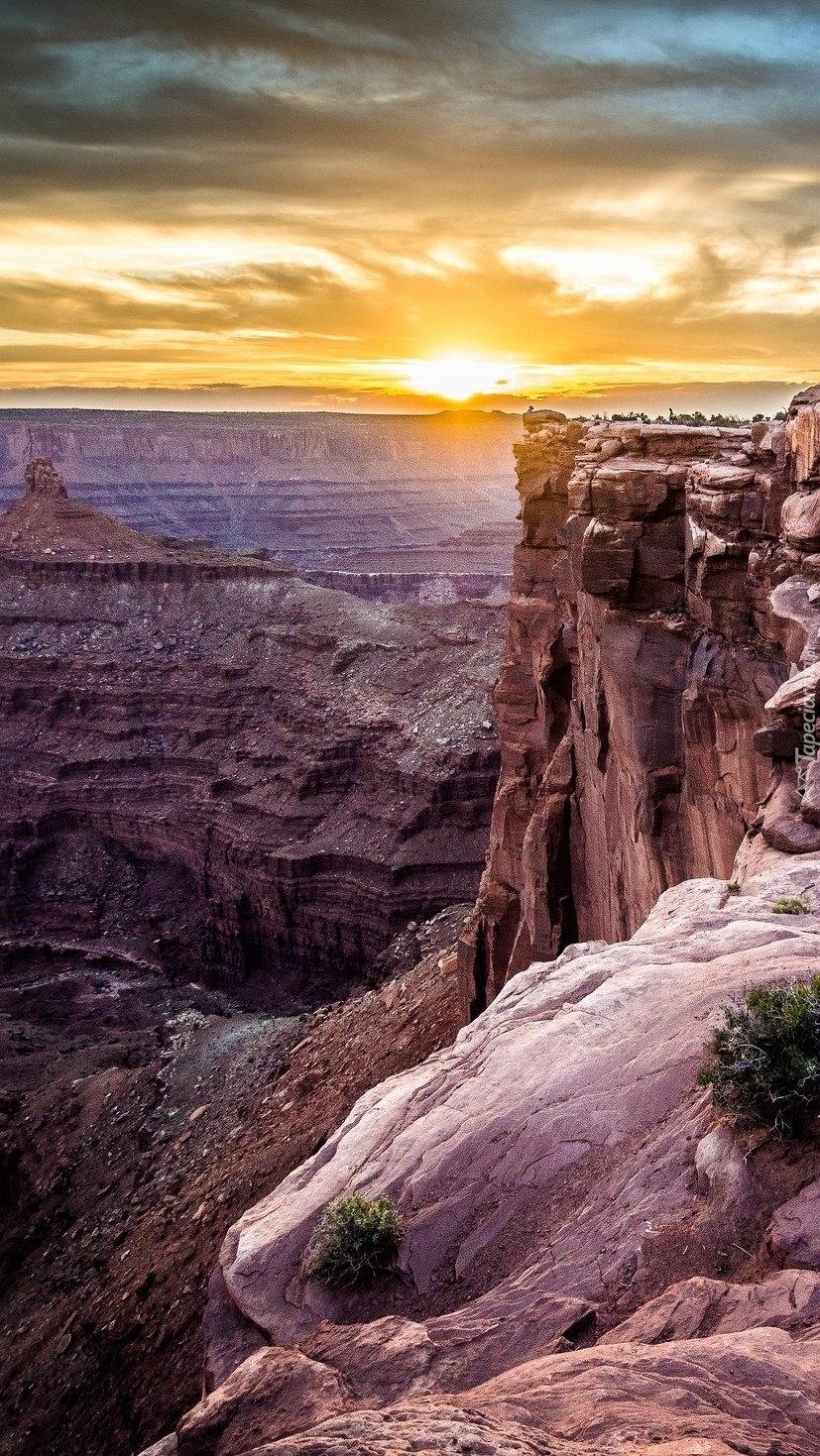 Kanion o zachodzie słońca