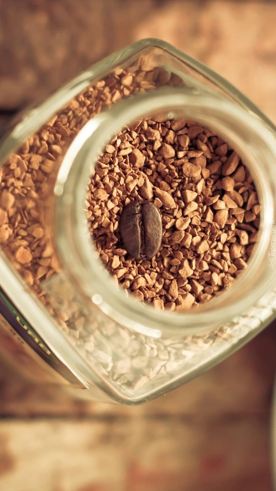 Kawa rozpuszczalna w słoiku