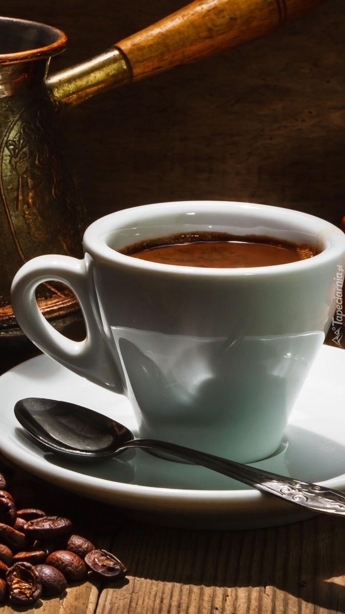 Kawa w białej filiżance
