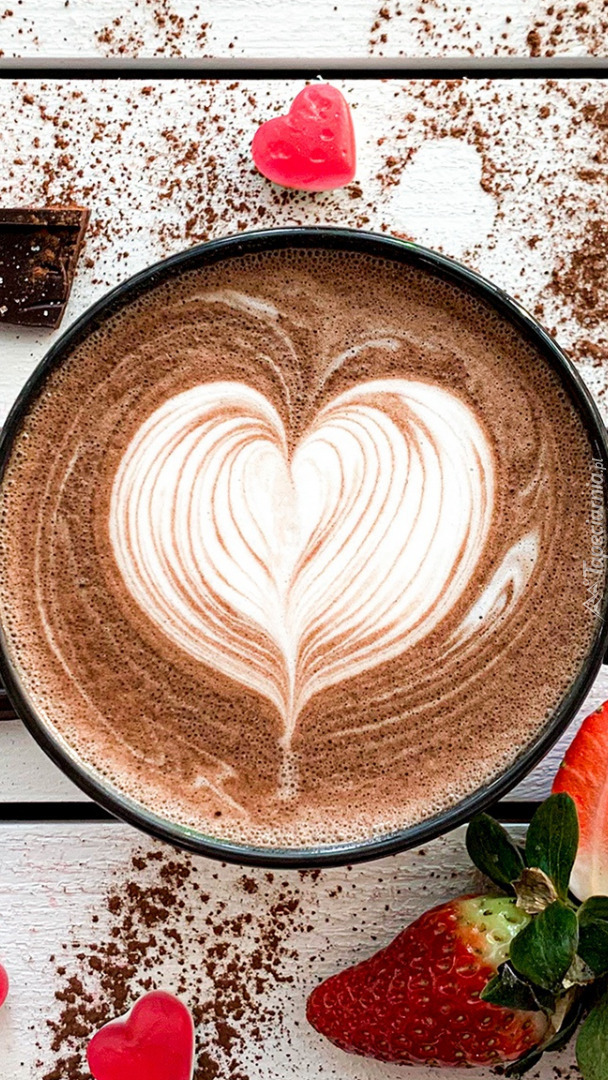 Kawa z sercem na piance