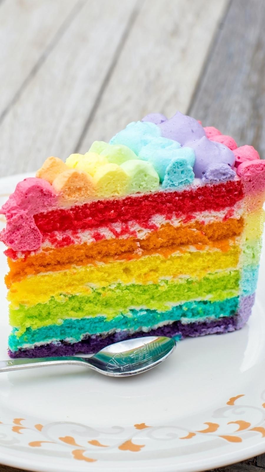 Kawałek kolorowego tortu