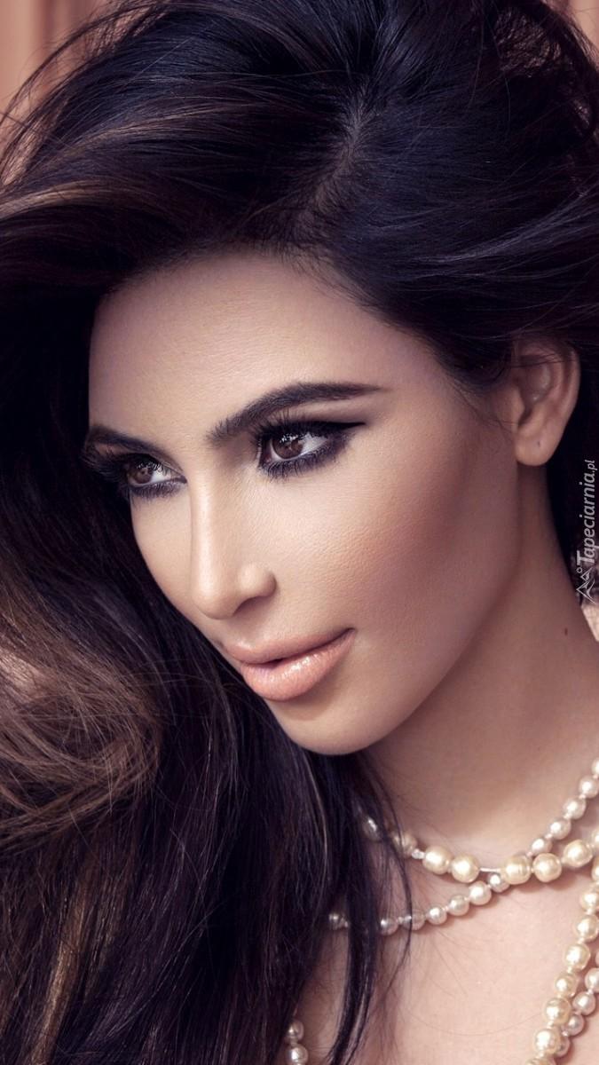 Kim Kardashian w biżuterii