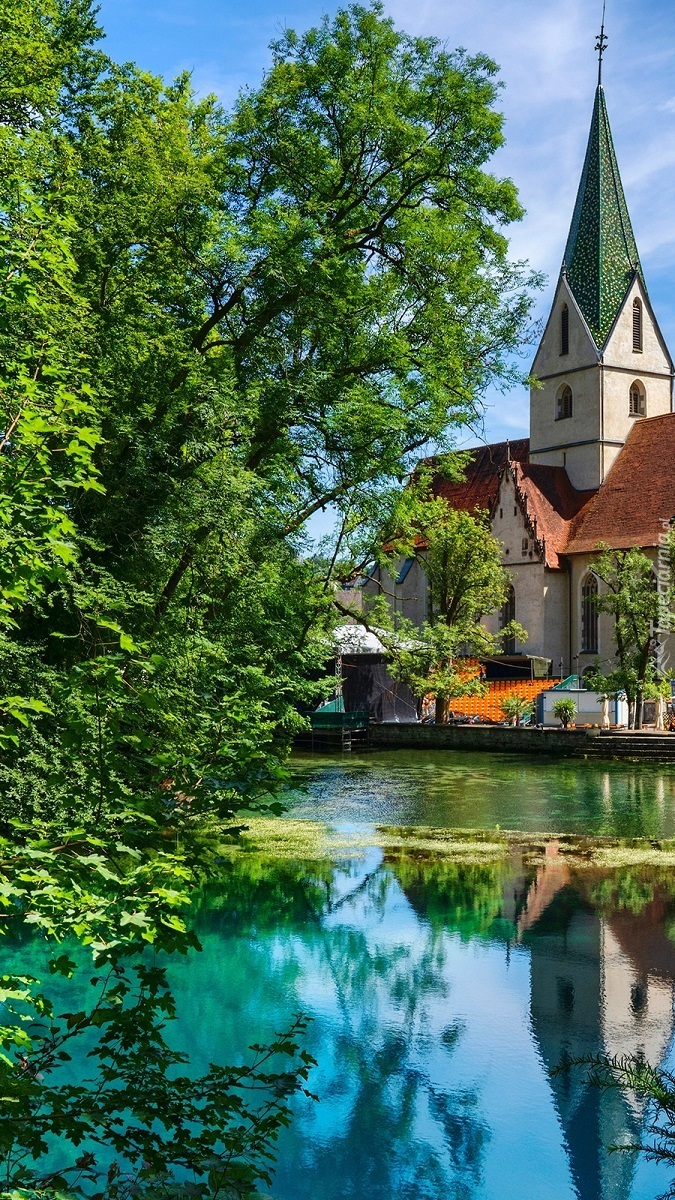 Klasztor nad stawem w Blaubeuren