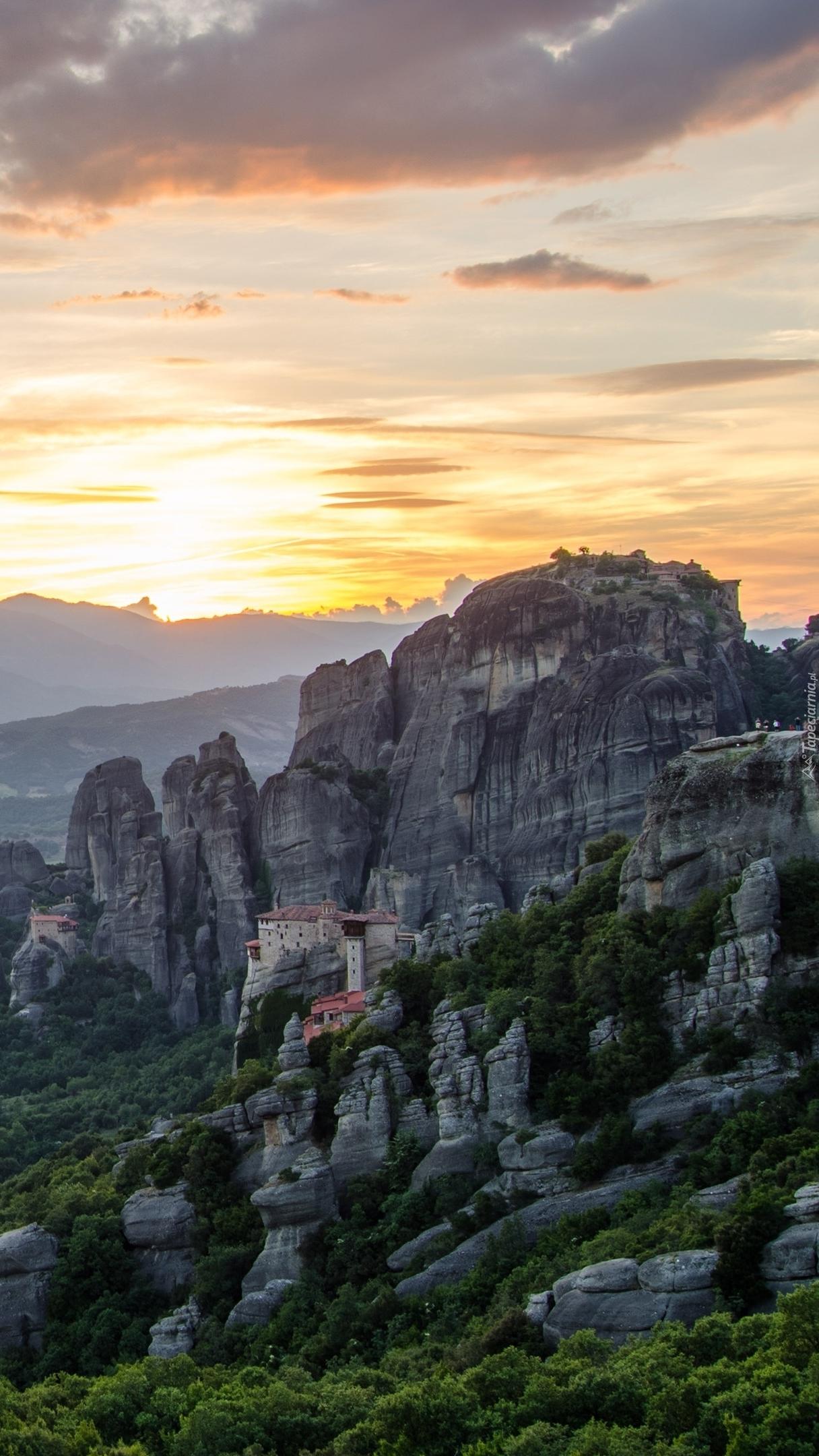 Klasztor Warłama w górach