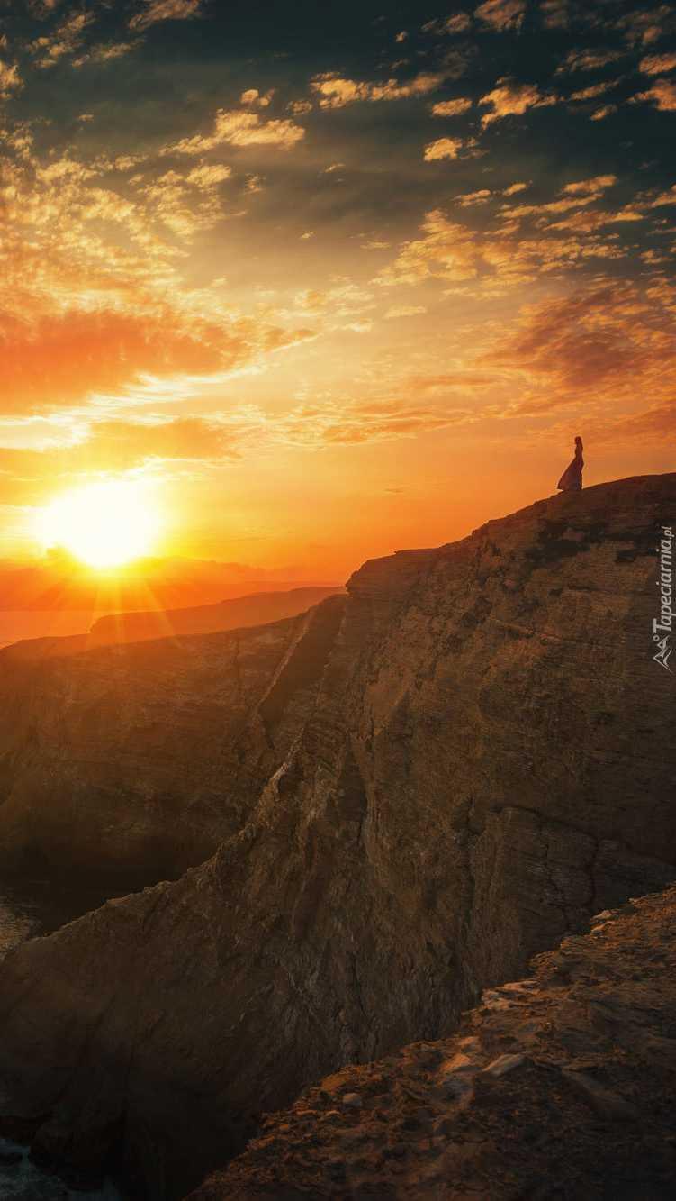 Kobieta na skale