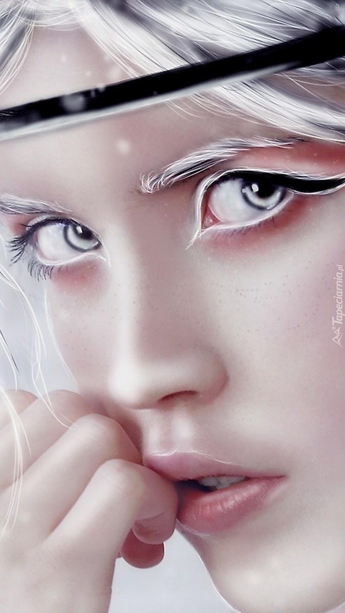 Kobieta o białych włosach