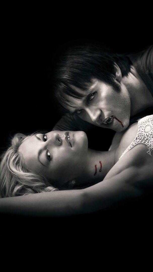 Kobieta ugryziona przez wampira