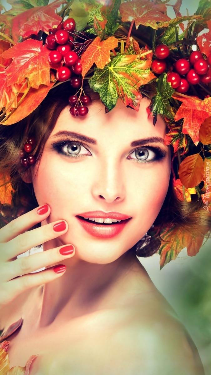 Kobieta w jesiennym wianku