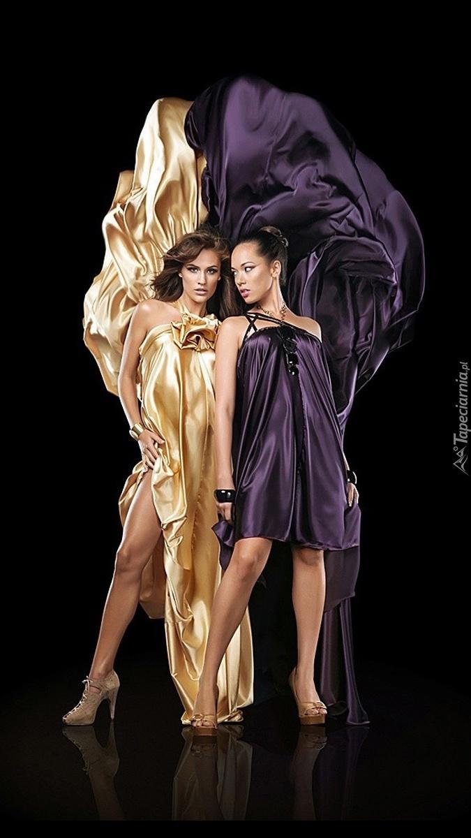 Kobiety w sukniach