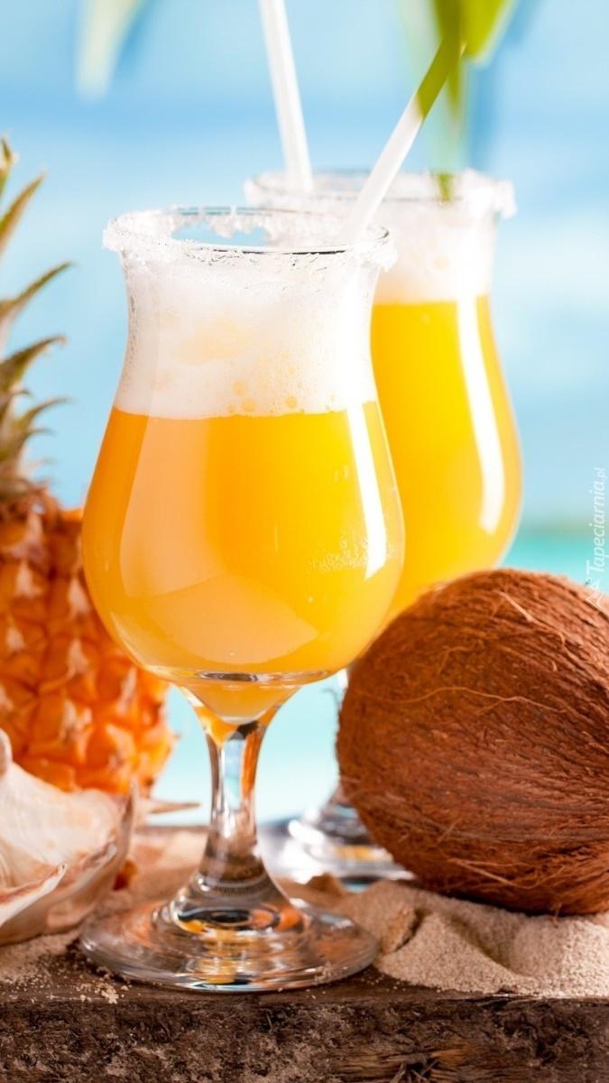 Kokos obok drinków
