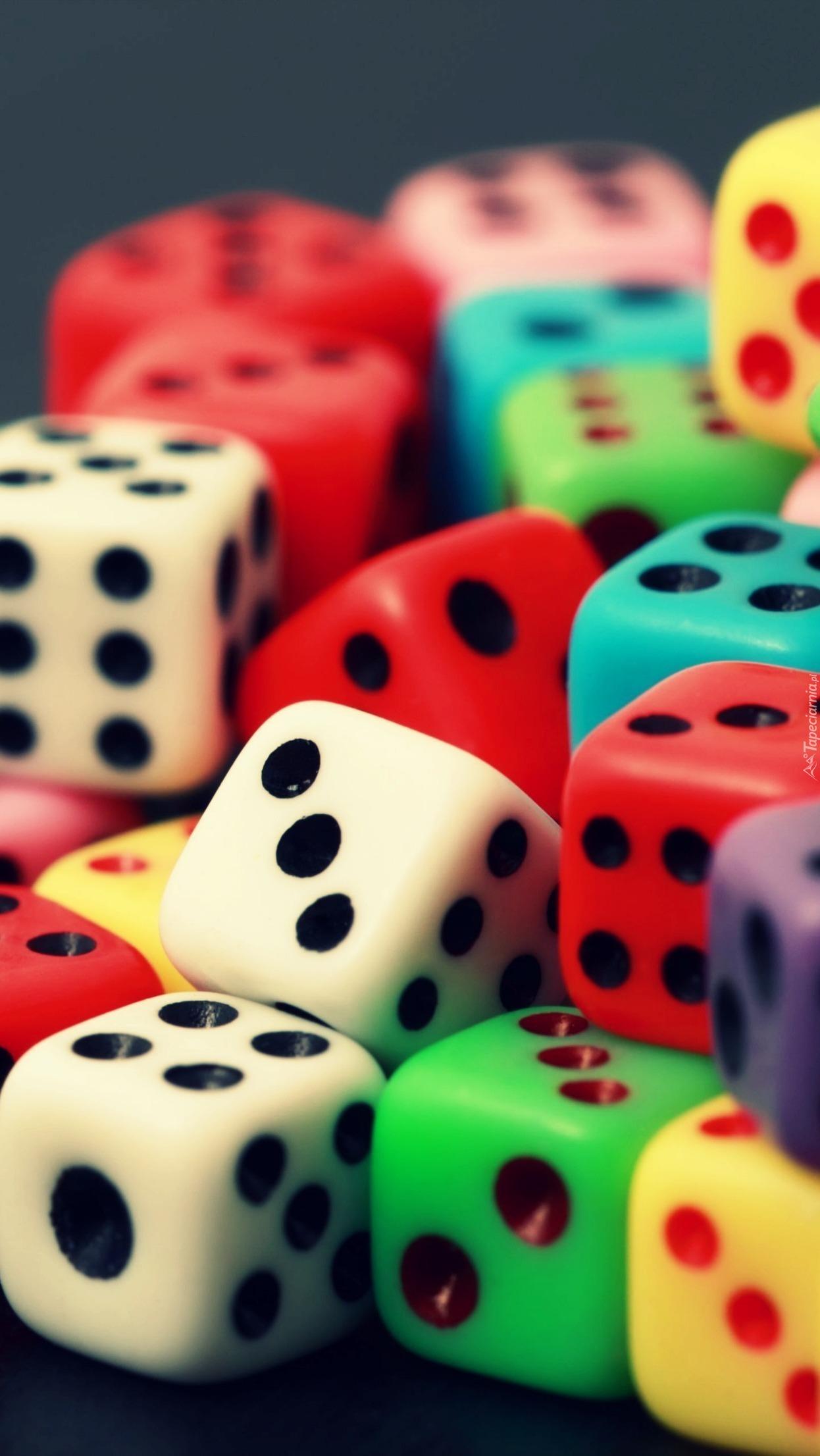 Kolorowe kostki do gry
