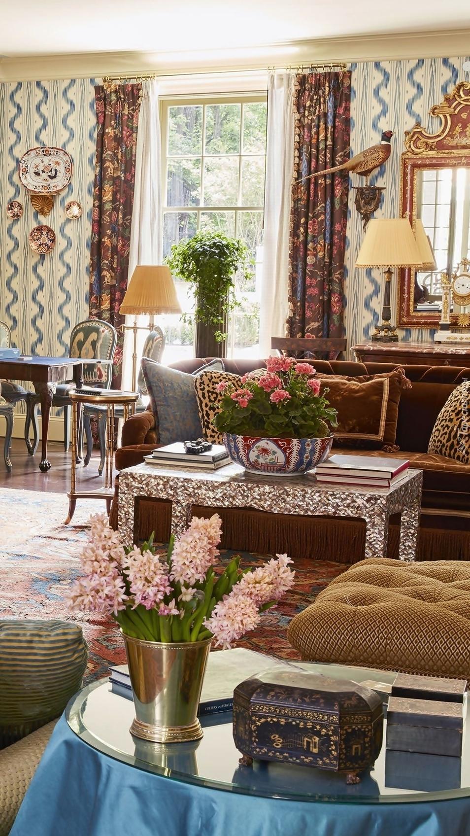Kolorowe kwiaty w pokoju
