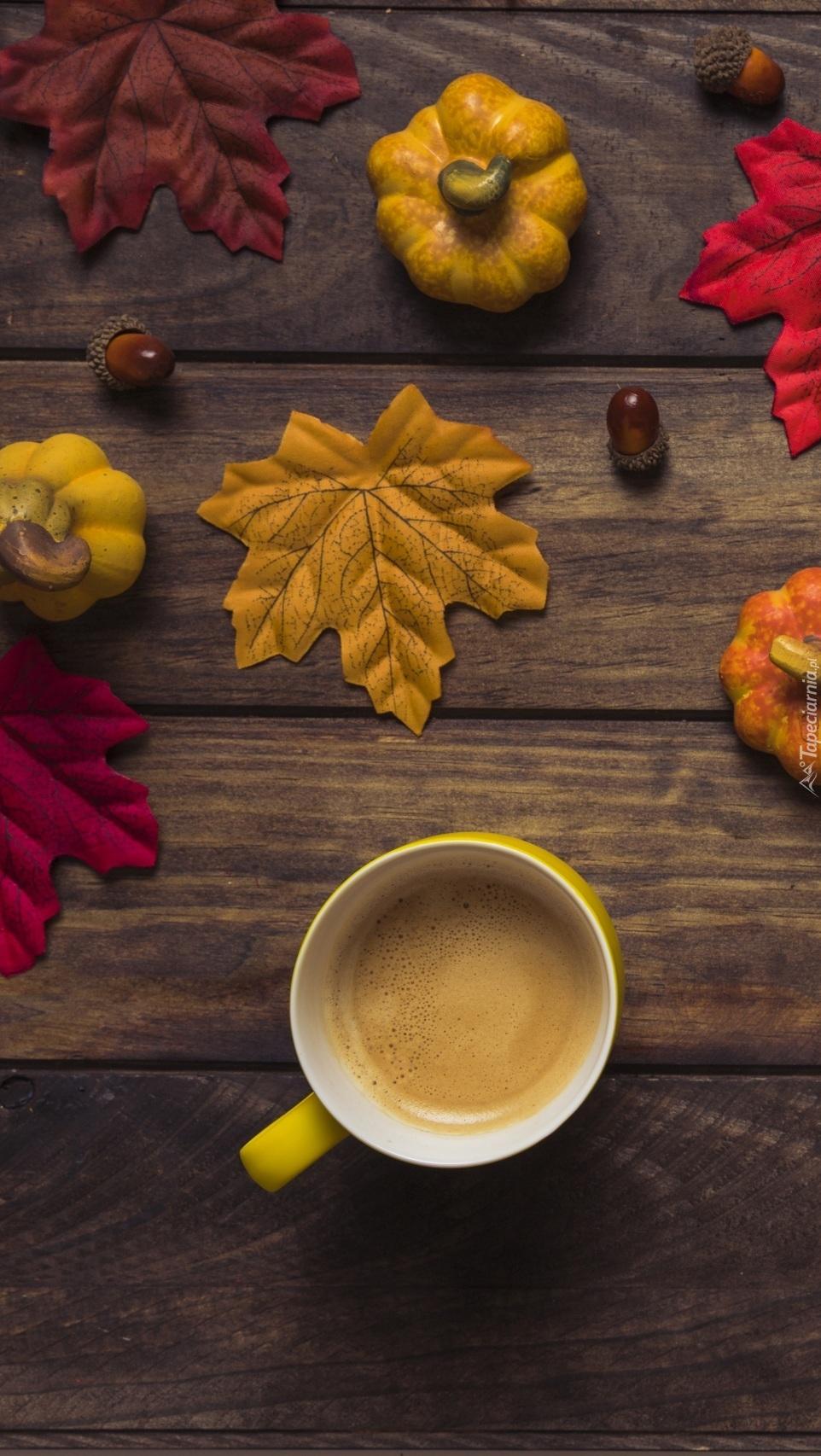 Kompozycja jesienna z kawą