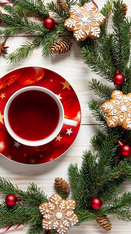 Kompozycja świąteczna z filiżanką herbaty