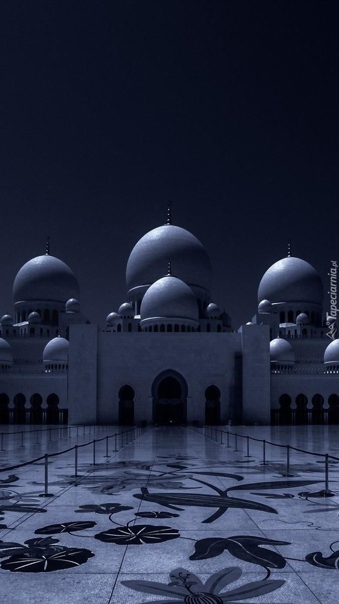 Kopuły meczetu nocą
