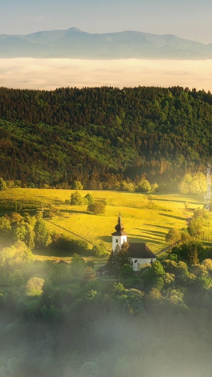 Kościół w dolinie
