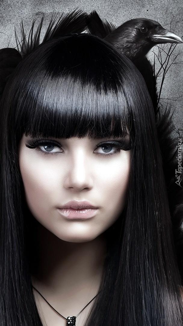 Kruczowłosa dziewczyna