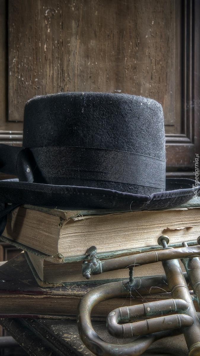 Książki pod kapeluszem