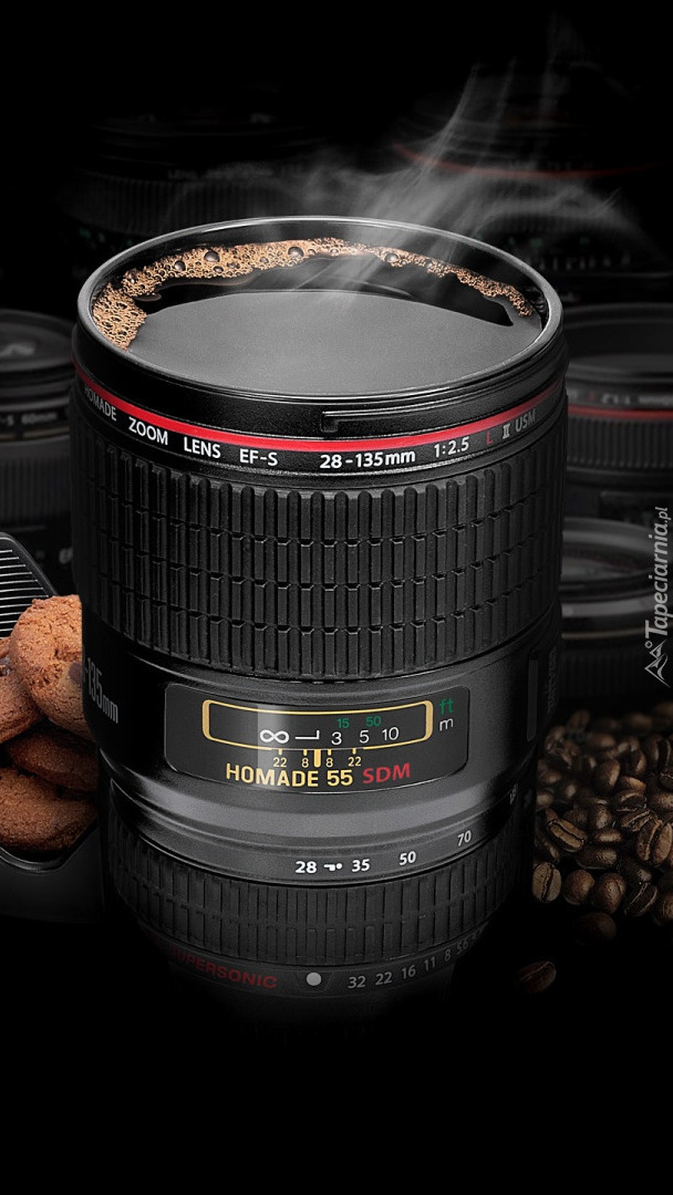 Kubek kawy w kształcie obiektywu