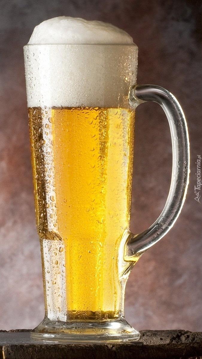 Kufel piwa z pianką