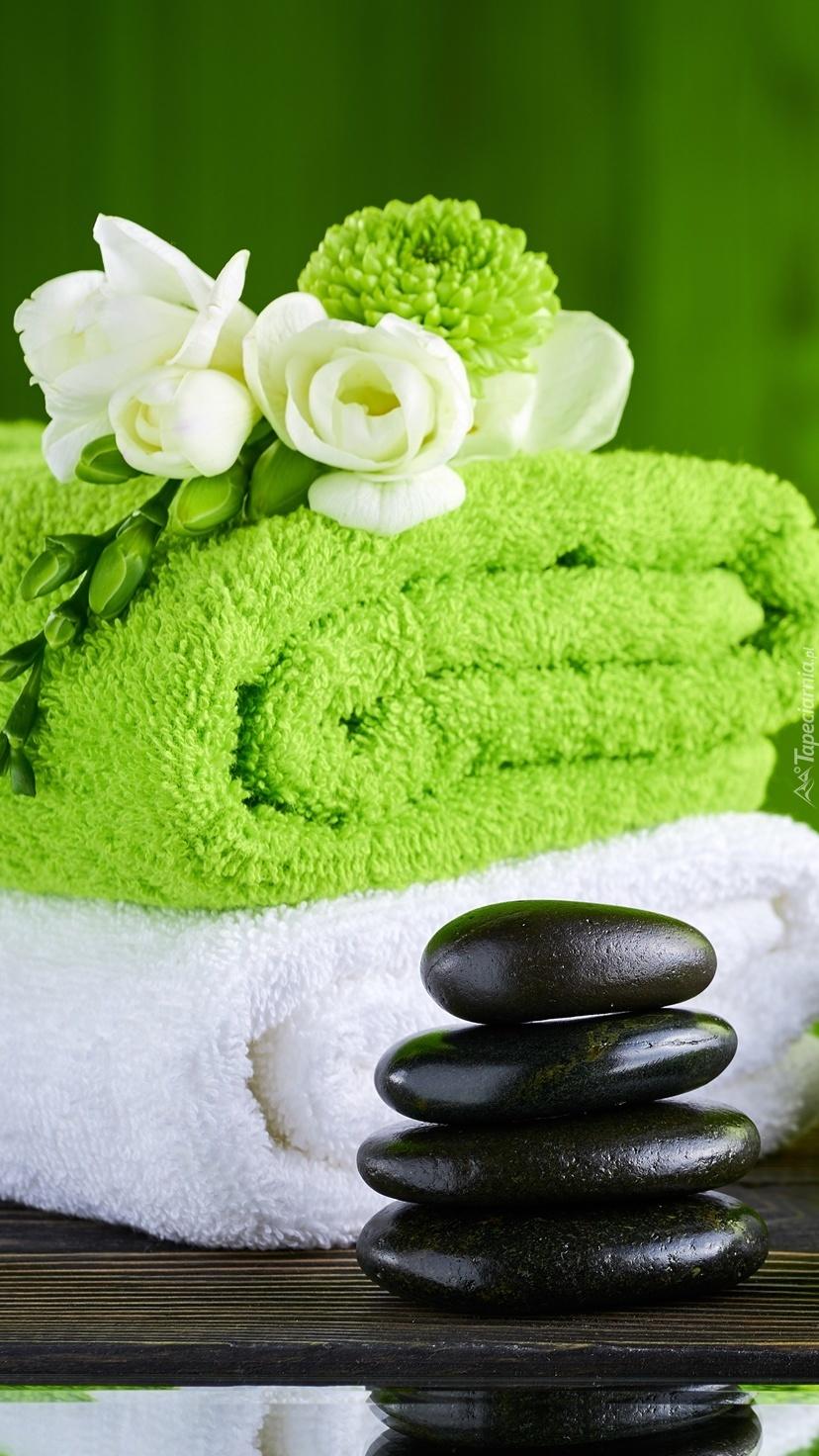 Kwiaty na ręcznikach