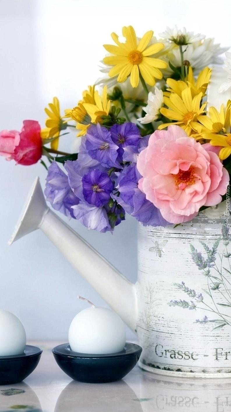 Kwiaty w konewce