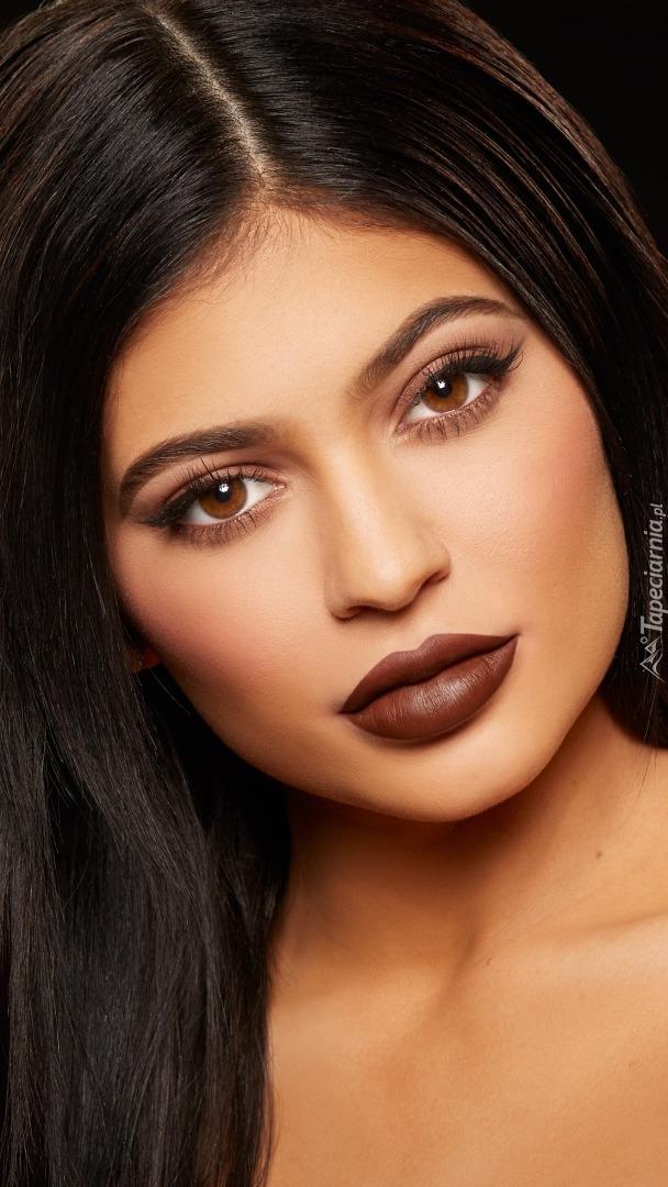 Kylie Jenner w makijażu