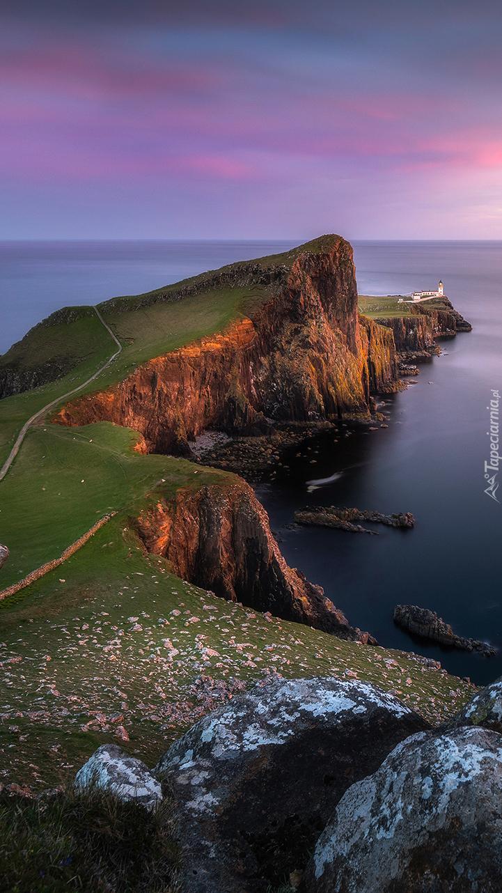 Latarnia morska na półwyspie Duirinish w Szkocji
