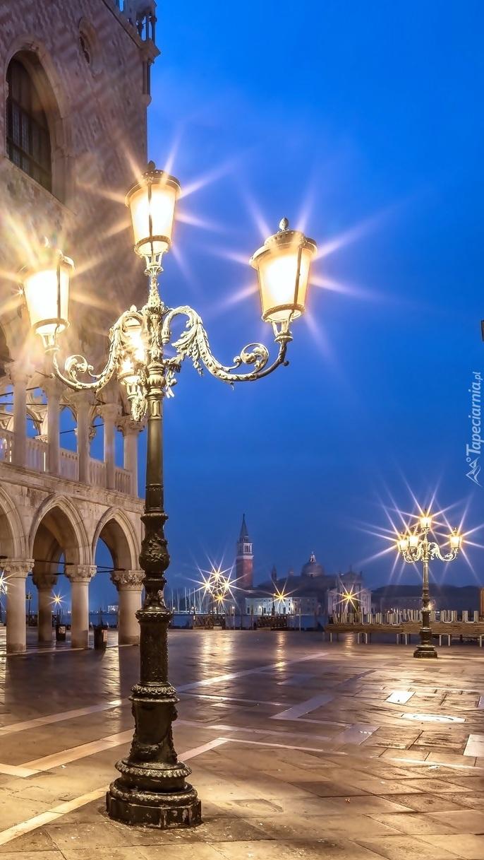 Latarnie na placu św.Marka w Wenecji