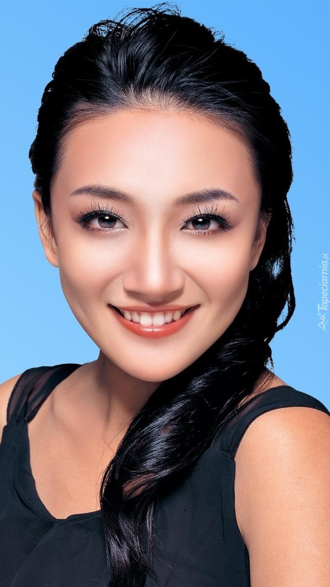 Lea Ding w makijażu
