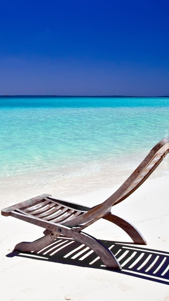 Leżak na morskiej plaży
