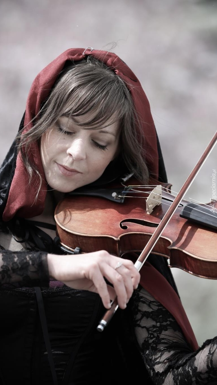 Lindsey Stirling grająca na skrzypcach