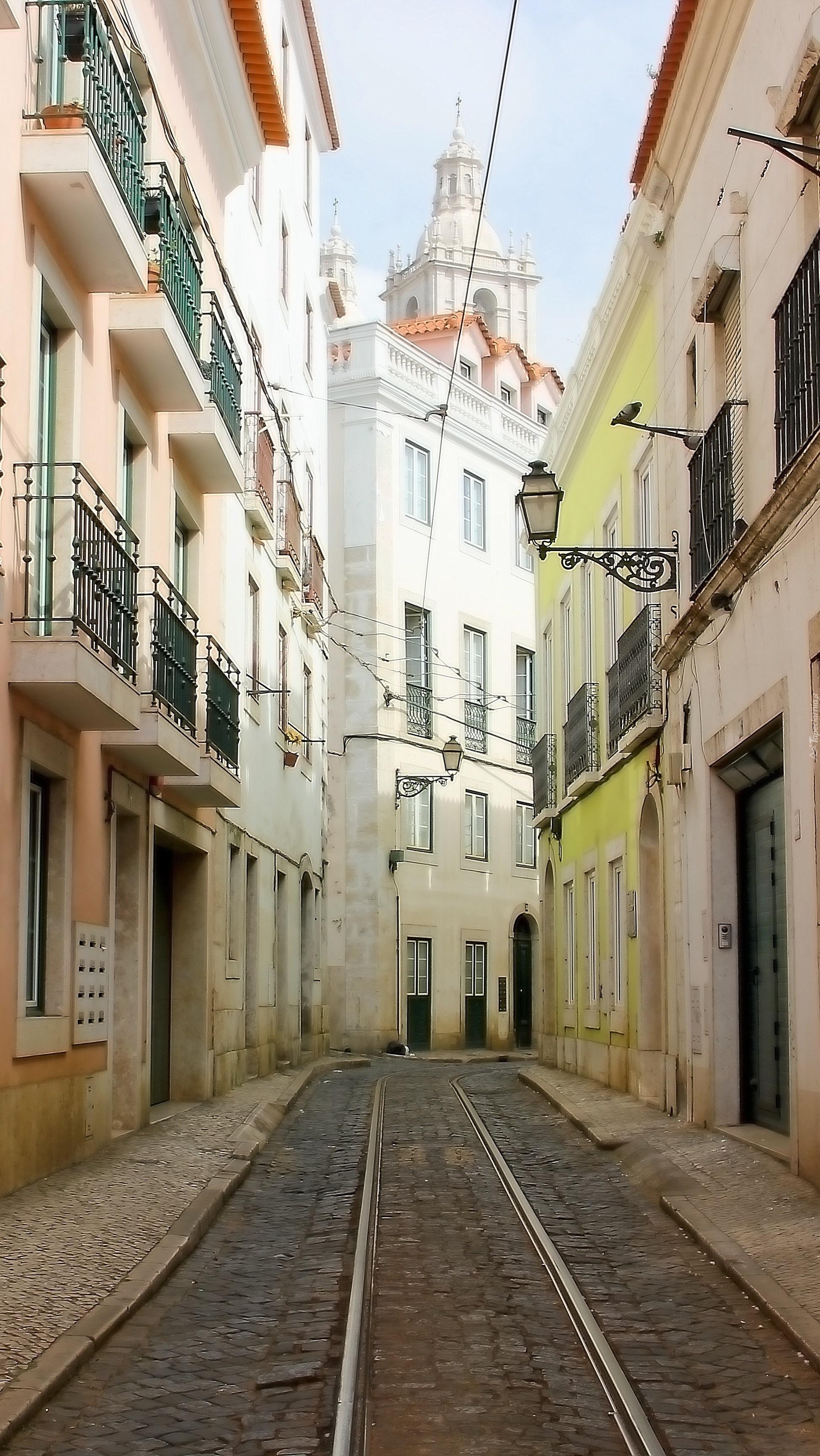 Lizbońska wąska uliczka