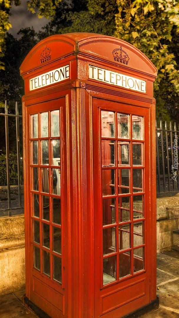 Londyńska budka telefoniczna