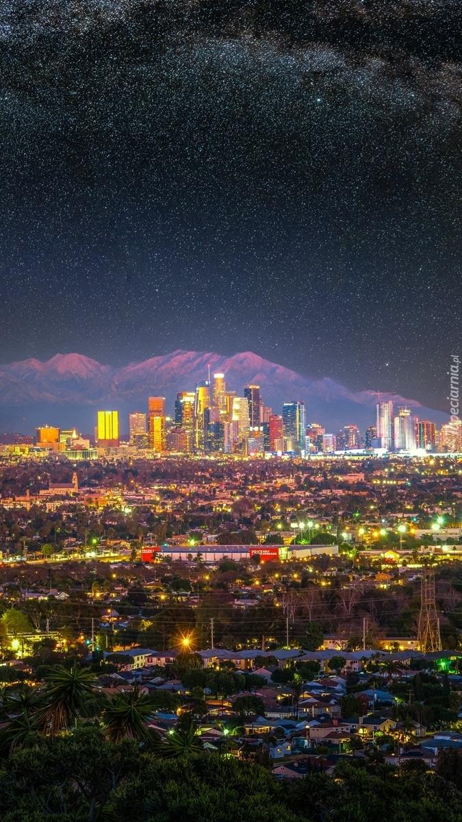 Los Angeles na tle gór San Gabriel