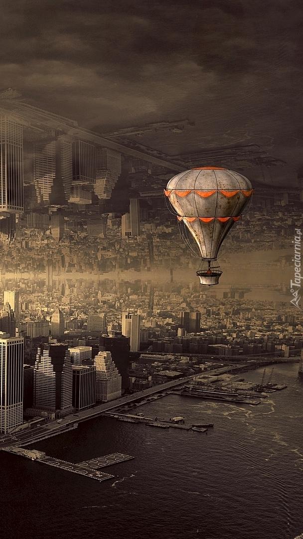 Lot balonem nad miastem
