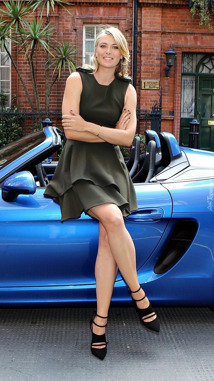 Maria Szarapowa Przy Porsche Boxster Spyder Tapeta Na