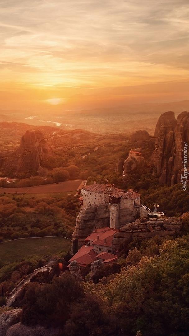 Masyw skalny Meteory i Klasztor Warłama