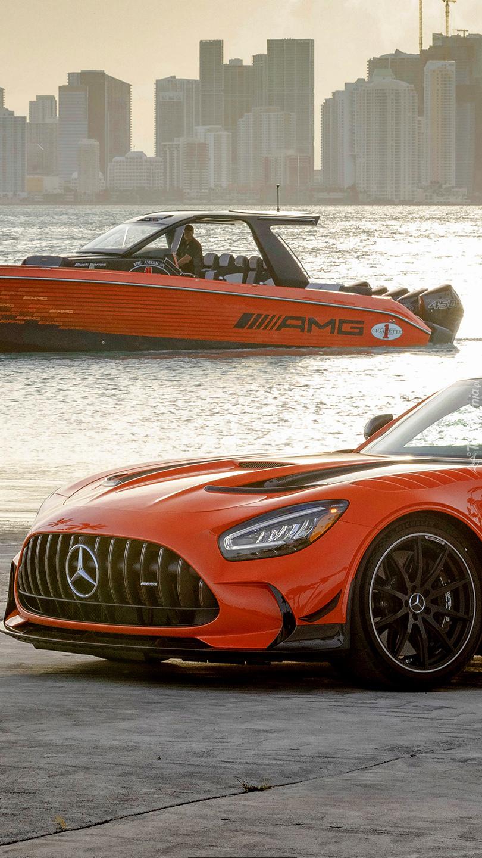 Mercedes-AMG GT Black Series i motorówka
