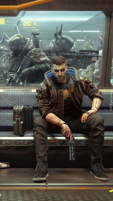 Mężczyzna w metrze z gry Cyberpunk 2077