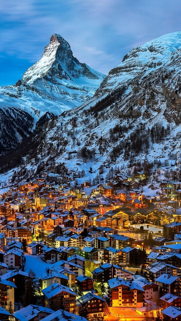 Miasteczko w Alpach