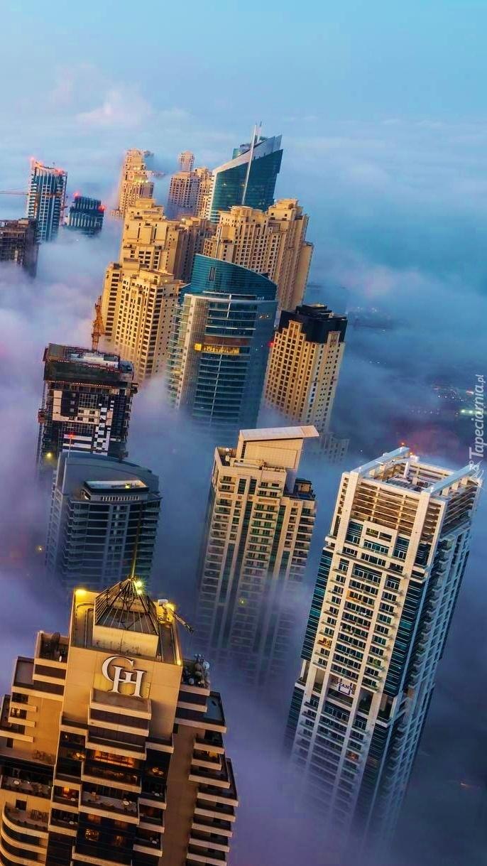 Miasto w chmurach