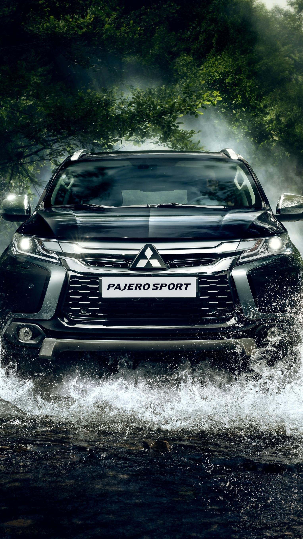 Mitsubishi Pajero w wodzie